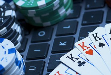 What are the potential benefits of playing poker online?